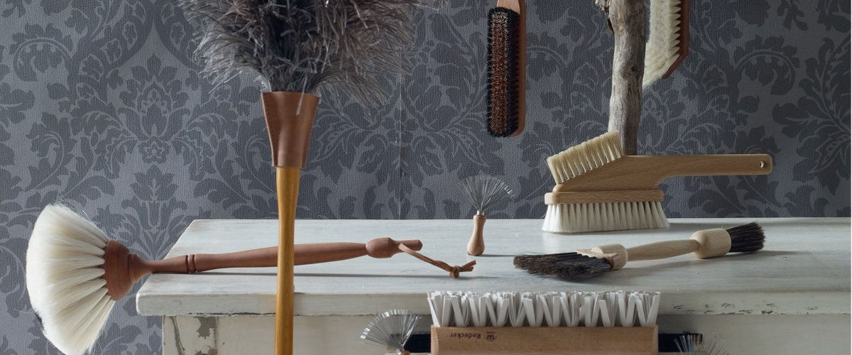 brushes for fabrics and clothes